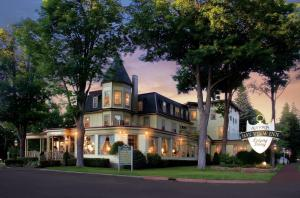 Stafford's Bay View Inn - Hotel - Petoskey
