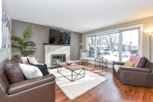 obrázek - Stunning Newly Furnished Single Home Near Downtown
