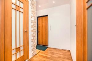 Apartments at Lva Yashina 10, Apartmanok  Toljatti - big - 6