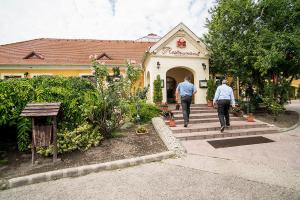 Gastland M0 Hotel & Restaurant - Soroksár