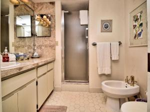 Surfside Condos 204, Apartments  Clearwater Beach - big - 59