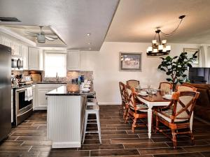 Surfside Condos 204, Apartments  Clearwater Beach - big - 51