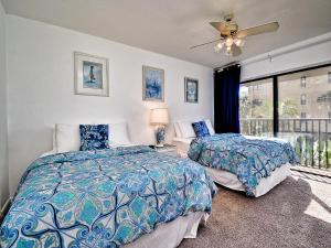 Surfside Condos 204, Apartments  Clearwater Beach - big - 37