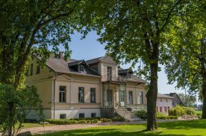 Gutshof Groß Behnkenhagen - Grimmen