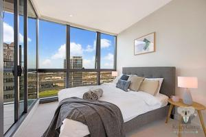 River View 2Bed APT+FREE CAR SPACE Mins to Mel CBD, Apartmanok  Melbourne - big - 1