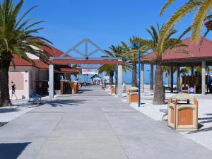 Gone Beaching 202, Apartmanok  Clearwater Beach - big - 9