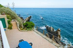 Holiday Apartment by the sea - breathtaking locati - AbcAlberghi.com