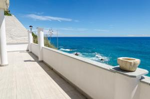 Seaside holiday apartment - unique location - AbcAlberghi.com