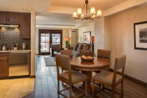 Madeline Hotel and Residences, an Auberge Resorts Collection, Hotely  Telluride - big - 35