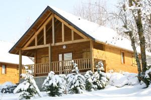 Location gîte, chambres d'hotes Chalets du Lac dans le département Hautes Pyrénées 65