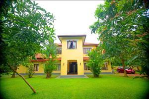 Colonial Villa - Yattowita