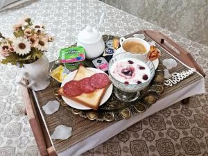 Kon-Tiki Boutique Hotel, Bed and Breakfasts  Petrohrad - big - 77