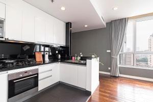 Christina's Hanoi - Lancaster City Living, Apartments  Hanoi - big - 30