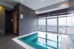 Christina's Hanoi - Lancaster City Living, Apartments  Hanoi - big - 47