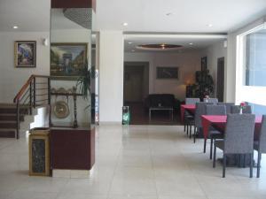 Imperial Hotel, Отели  Kendari - big - 48