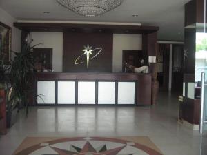 Imperial Hotel, Отели  Kendari - big - 16