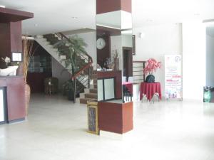 Imperial Hotel, Отели  Kendari - big - 47