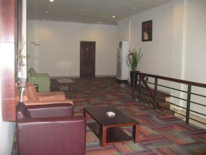Imperial Hotel, Отели  Kendari - big - 51
