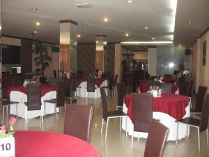 Imperial Hotel, Отели  Kendari - big - 45