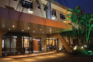 Lira Hotel