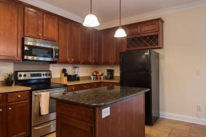 LEAGUE 704 | Wesley Heights, Apartmány  Charlotte - big - 7