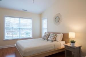 LEAGUE 704 | Wesley Heights, Apartmány  Charlotte - big - 18