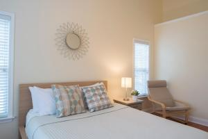 LEAGUE 704 | Wesley Heights, Apartmány  Charlotte - big - 19