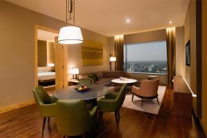 Conrad Pune Koregaon Park by Hilton, Отели  Пуна - big - 28