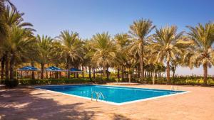 Coral Beach Resort Sharjah, Курортные отели  Шарджа - big - 17