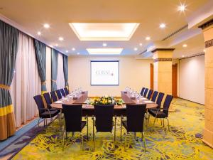 Coral Beach Resort Sharjah, Курортные отели  Шарджа - big - 30