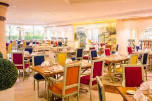 Coral Beach Resort Sharjah, Курортные отели  Шарджа - big - 10
