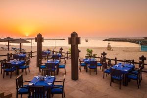 Coral Beach Resort Sharjah, Курортные отели  Шарджа - big - 34