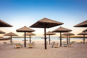 Coral Beach Resort Sharjah, Курортные отели  Шарджа - big - 19