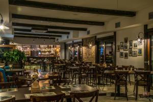 Old Tree Villa Restaurant
