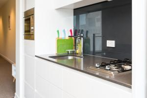 Relax in Luxury & Modern MELB 1BD, Apartments  Melbourne - big - 10
