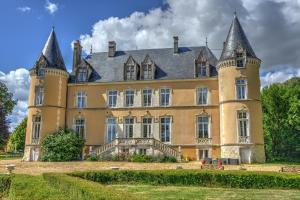 Location gîte, chambres d'hotes Château De Blavou Normandie dans le département Orne 61
