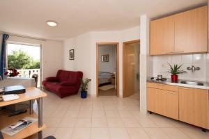 Sun House Apartments