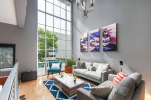 obrázek - Two-Bedroom, Two-and-a-Half Bath Apt in Little Italy