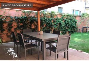 Bella e nuova villa con giardino a 2 passi dal cen - AbcAlberghi.com