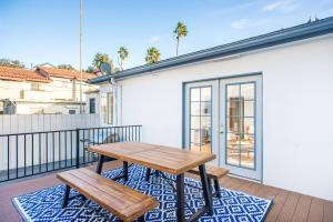 obrázek - Two-Bedroom, One-Bath Apt in the Heart of Pacific Beach