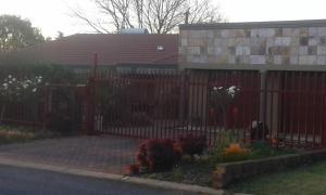 Allen Grove Self Catering - Kempton Park