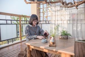 Zen Tea House Seven Stars Park, Bed & Breakfast  Guilin - big - 71
