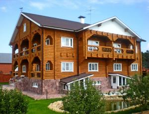 Mustang Guest House - Pirogovo