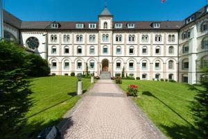 St. Bonifatiuskloster - Geistliches Zentrum - Günthers