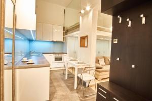 V27 Apartment | hostAID