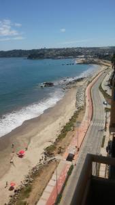 Depto Frente Playa Tomé, Ferienwohnungen  Tomé - big - 9