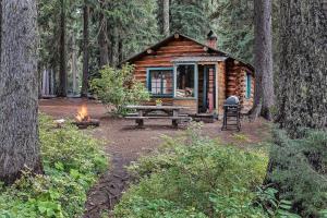 Shelter Cove Resort & Marina - Hotel - Odell Lake