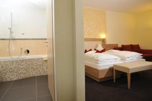 Posthotel Traube, Hotely  Donauwörth - big - 12