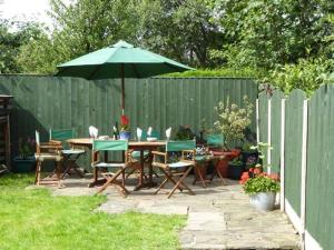 Featherbed Top Cottage, Holiday homes  Old Glossop - big - 1