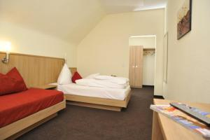 Posthotel Traube, Hotely  Donauwörth - big - 37